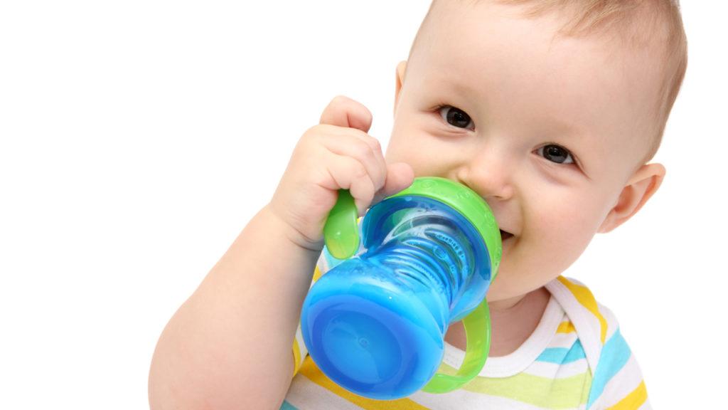Sundhedsstyrelsen klar med nye råd om mad til spædbørn