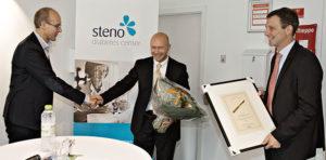 Sundhedsministeren uddelte roser til Steno Patient Center
