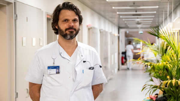 Første bølge af COVID-19-patienter: Ældre, mænd og patienter med komorbiditet blev hårdest ramt