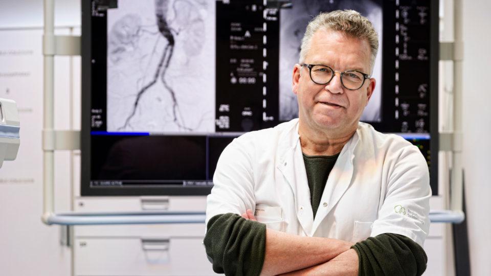 Hjertelæge: Hvorfor skal der stadig være to meter mellem vaccinerede læger?