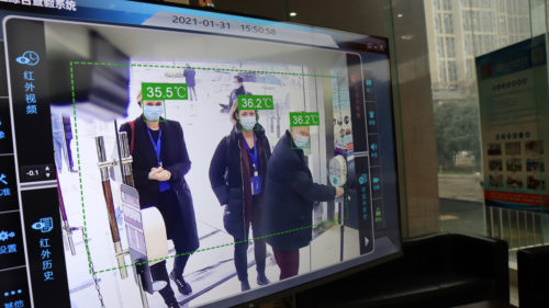 Dansk professor var med WHO i Wuhan: Vi har varme spor at forfølge