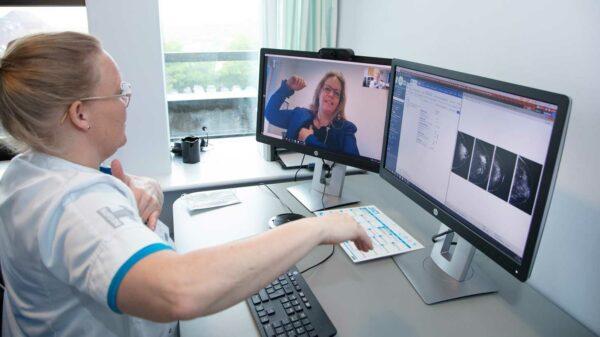 Videokonsultationer giver vigtigt nærvær mellem læge og patient