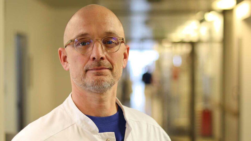 Overlæge på Rigshospitalet er ny lærestolsprofessor i karkirurgi