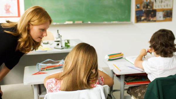 Børn med kroniske sygdomme skal støttes bedre i skolen