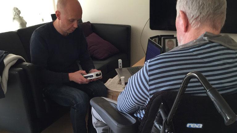Praktiserende læge kortlægger daglige plejehjemsbesøg