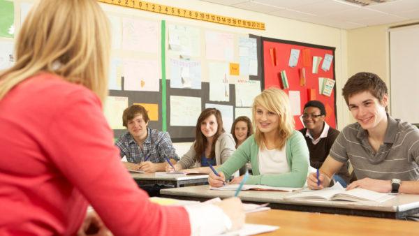 Stresskurser på ungdomsuddannelser skal holde på sårbare unge
