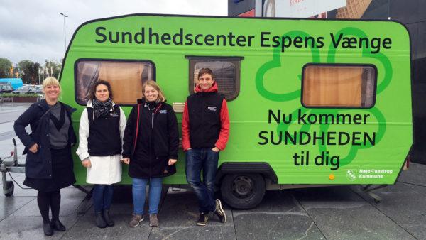 Kommune bringer sundhed ud til borgere i knaldgrøn campingvogn