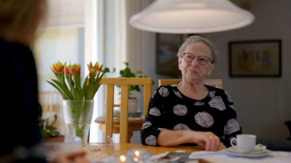 Ringkøbing-Skjern vil løse små udfordringer gennem en uforpligtende snak med ældre